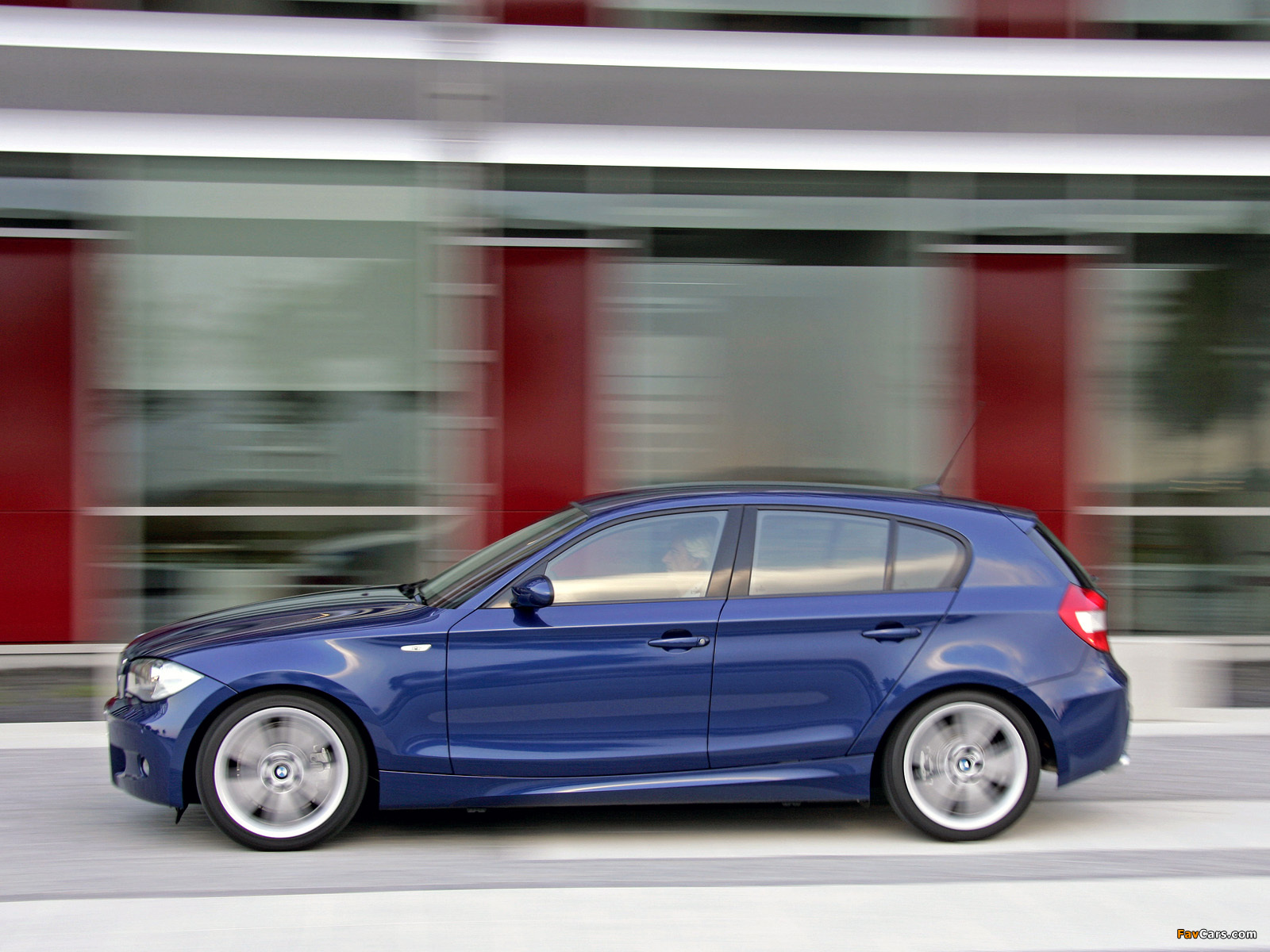 BMW 130i 5-door M Sports Package (E87) 2005 wallpapers (1600x1200)