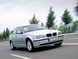 BMW 318i Sedan (E46) 2001–05 images