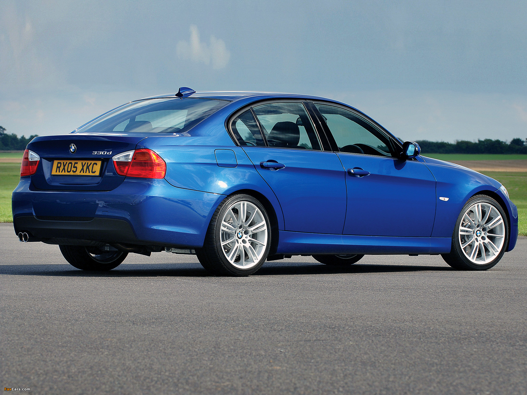 BMW 330d M Sports Package UK-spec (E90) 2006 wallpapers ...