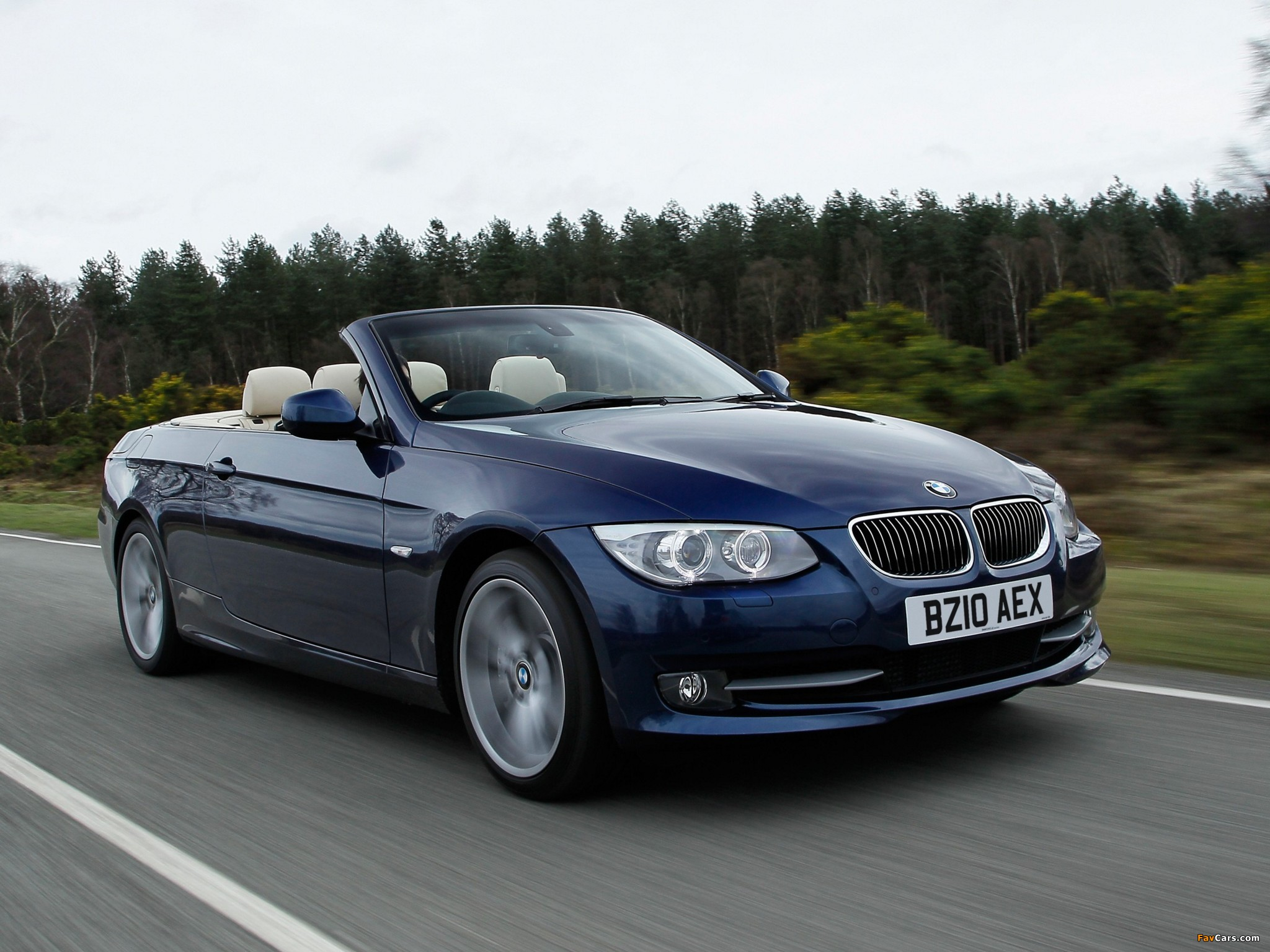 BMW 335i Cabrio UK-spec (E93) 2010 wallpapers (2048x1536)
