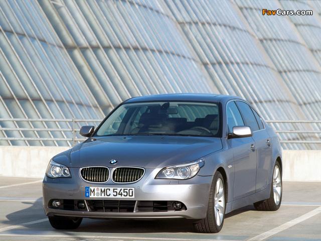 BMW 545i Sedan (E60) 2003–05 images (640 x 480)