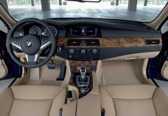 BMW 530i Touring (E61) 2007–10 wallpapers