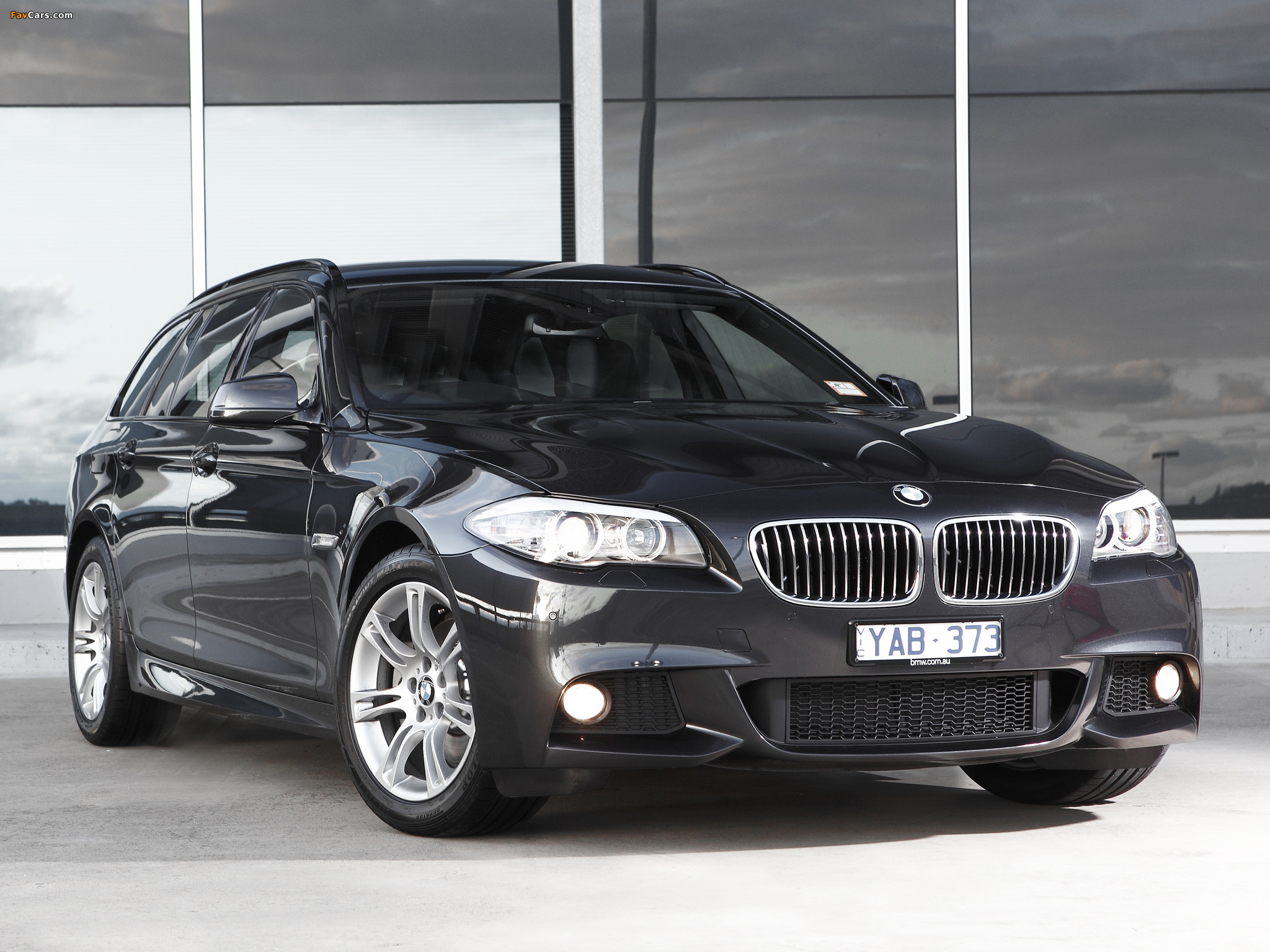Images of BMW 520d Touring M Sports Package AU-spec (F11) 2011 (2048 x 1536)