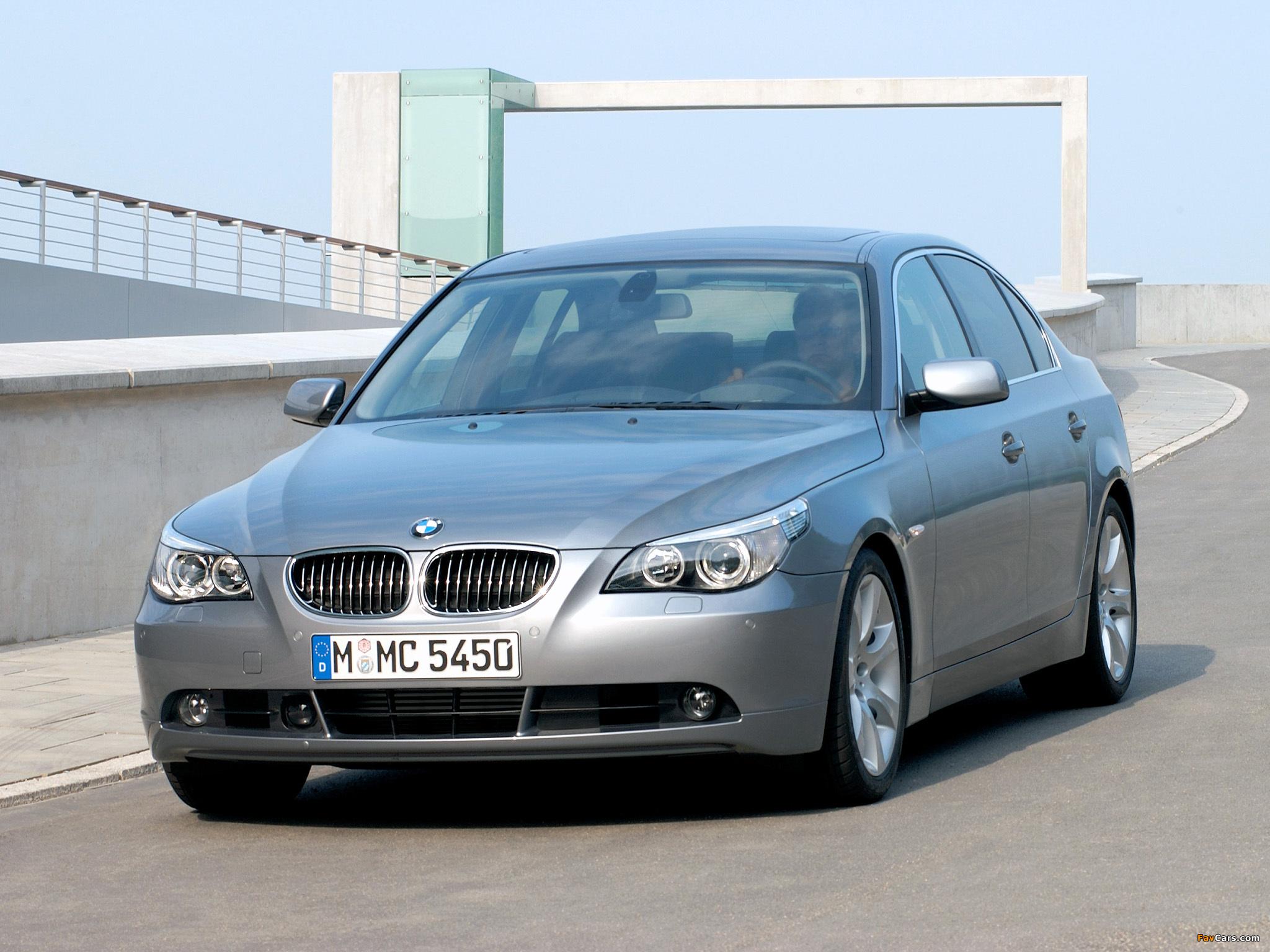 Photos of BMW 545i Sedan (E60) 2003–05 (2048 x 1536)