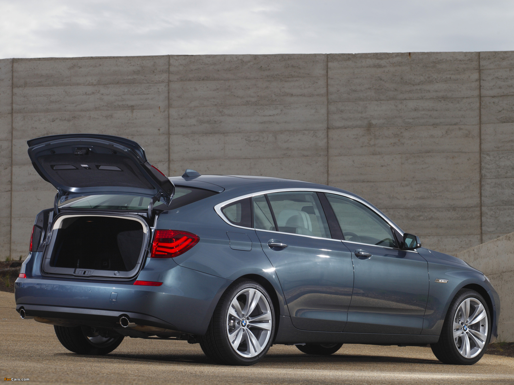 Pictures of BMW 535i Gran Turismo AU-spec (F07) 2009–13 (2048 x 1536)