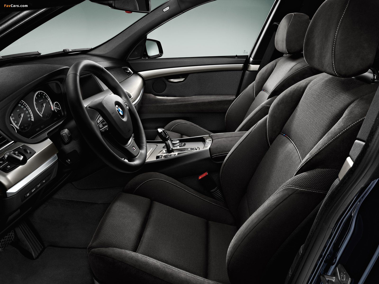 Pictures of BMW 550i Gran Turismo M Sport Package (F07) 2011–13 (1600 x 1200)