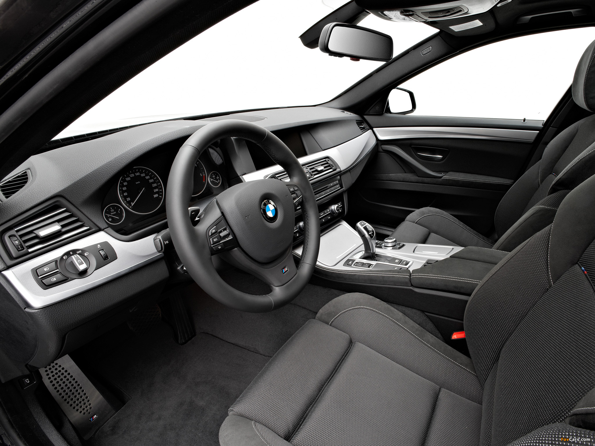 Pictures of BMW 535d Sedan M Sports Package (F10) 2010–13 (2048 x 1536)