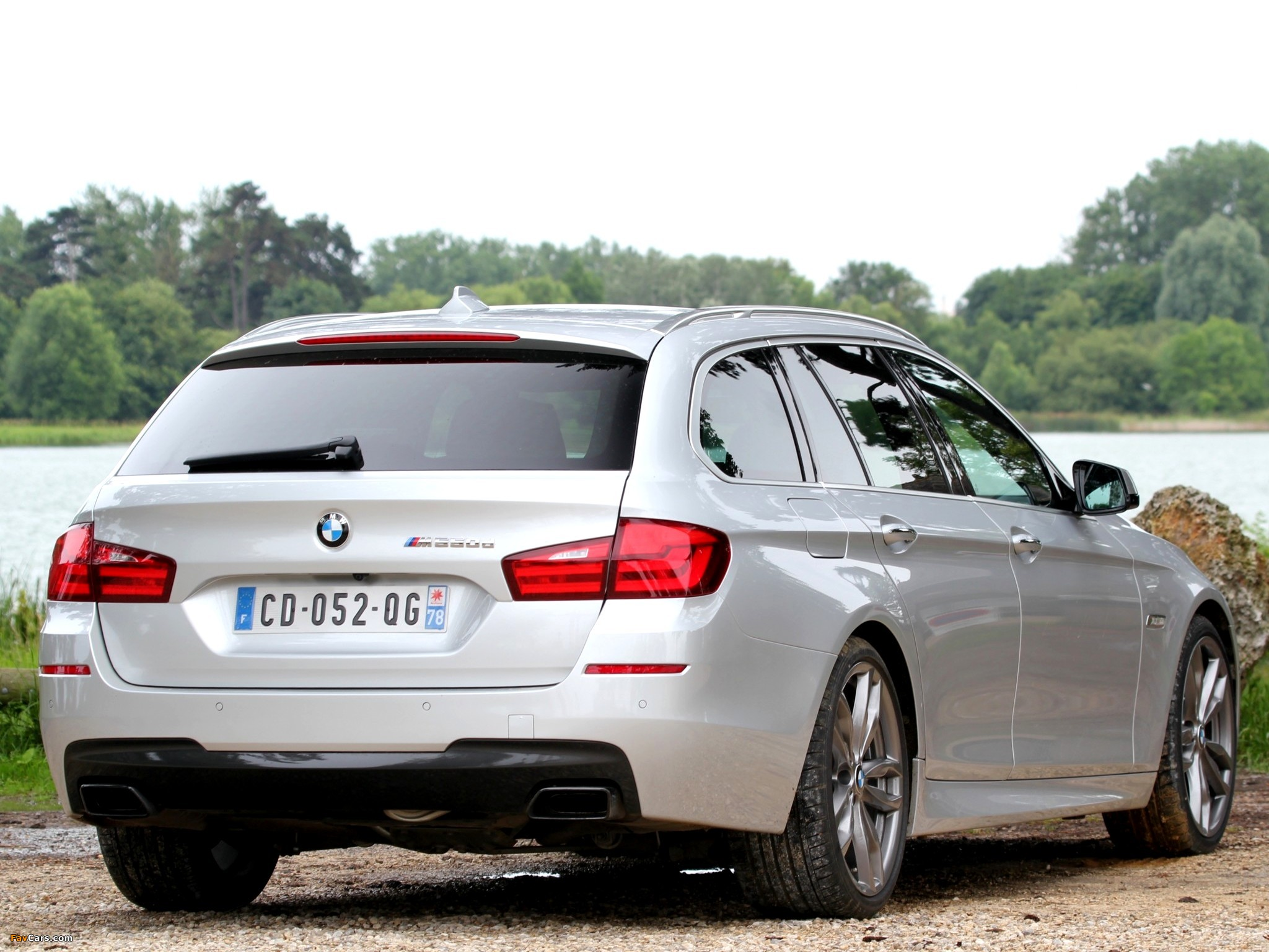 bmw m550d xdrive touring f11 2012 wallpapers 2048x1536. Black Bedroom Furniture Sets. Home Design Ideas