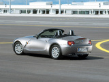BMW Z4 2.2i Roadster (E85) 2003–05 wallpapers