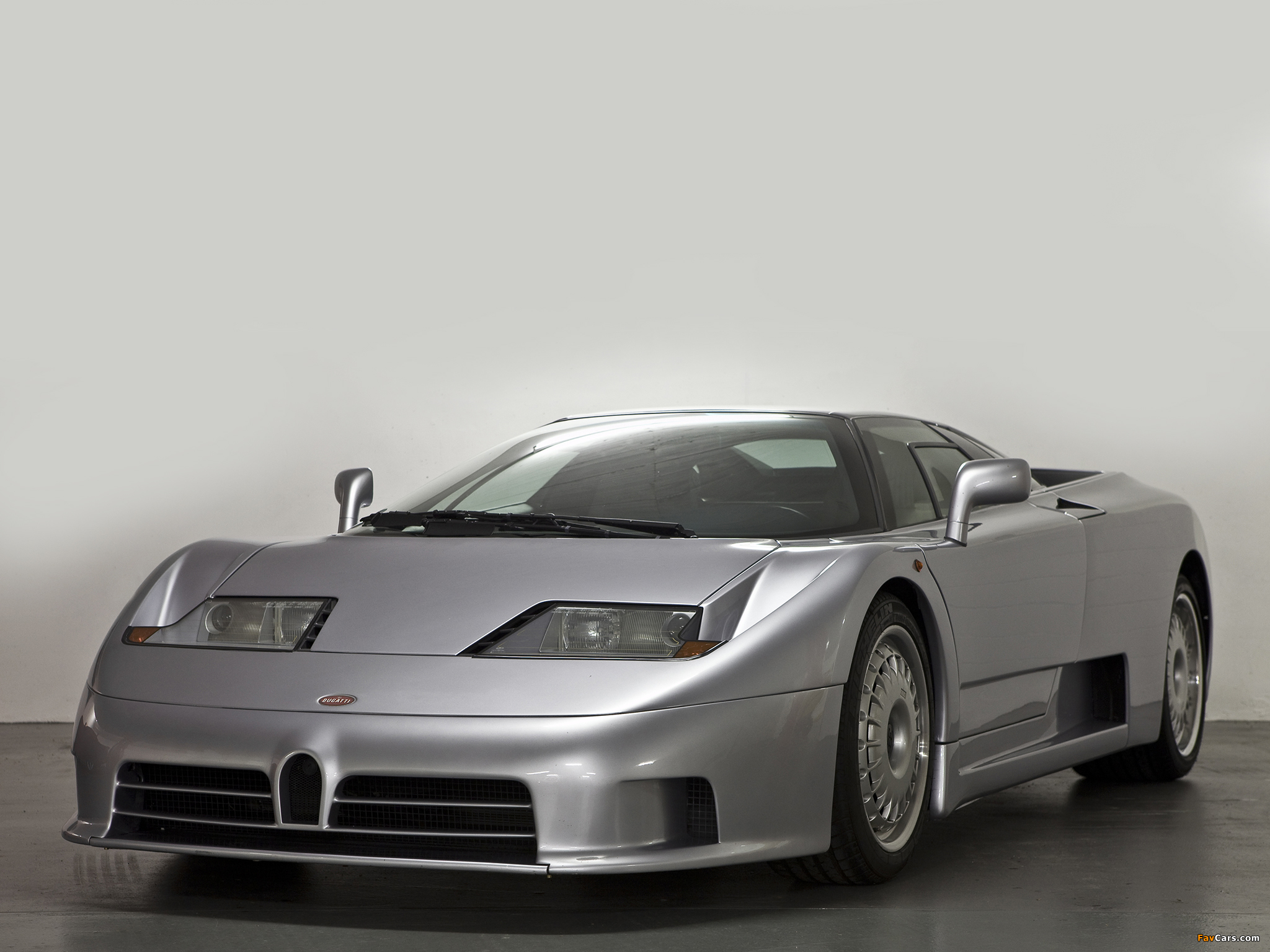 Photos of Bugatti EB110 GT 1992–95 (2048 x 1536)