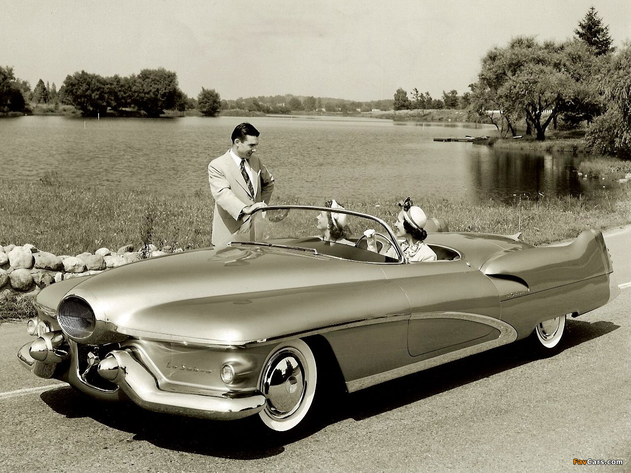 Images of GM LeSabre Concept Car 1951 (1280 x 960)