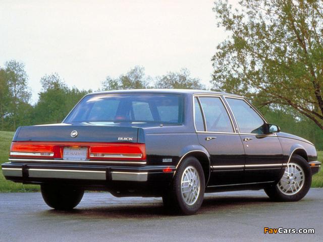 Photos of Buick LeSabre Sedan 1990–91 (640 x 480)