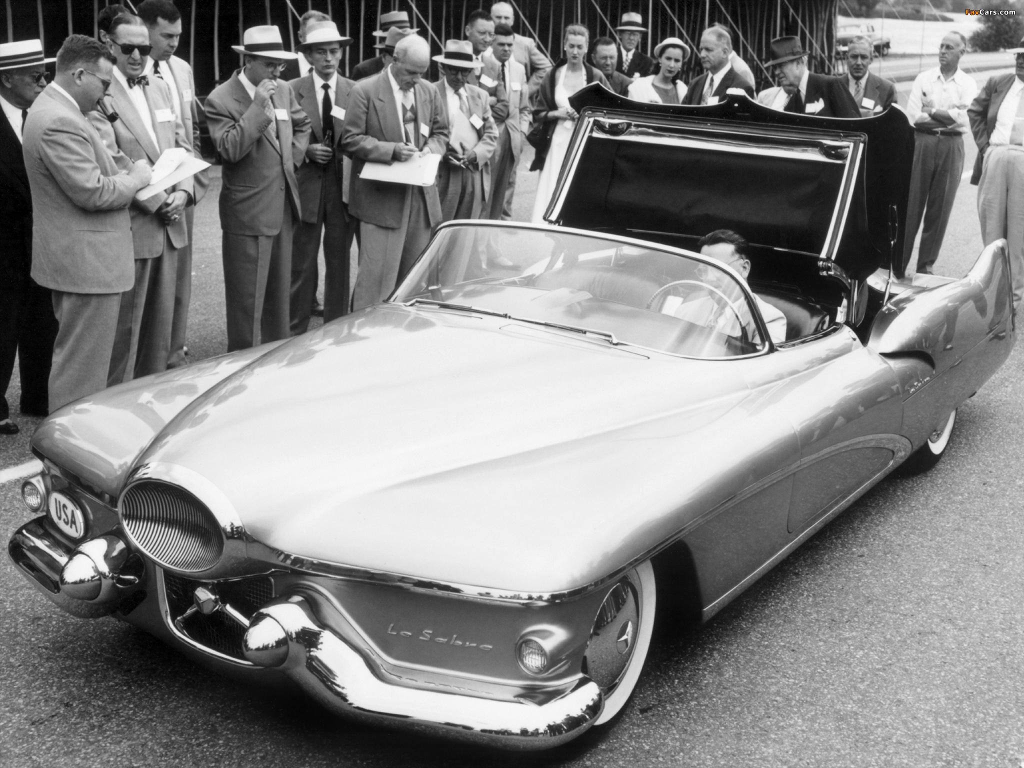 Pictures of GM LeSabre Concept Car 1951 (2048 x 1536)