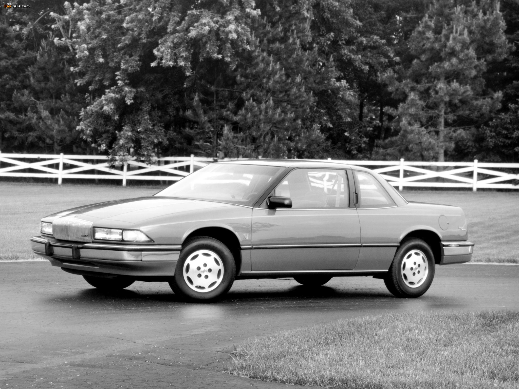Buick Regal Coupe 1988–93 photos (2048 x 1536)