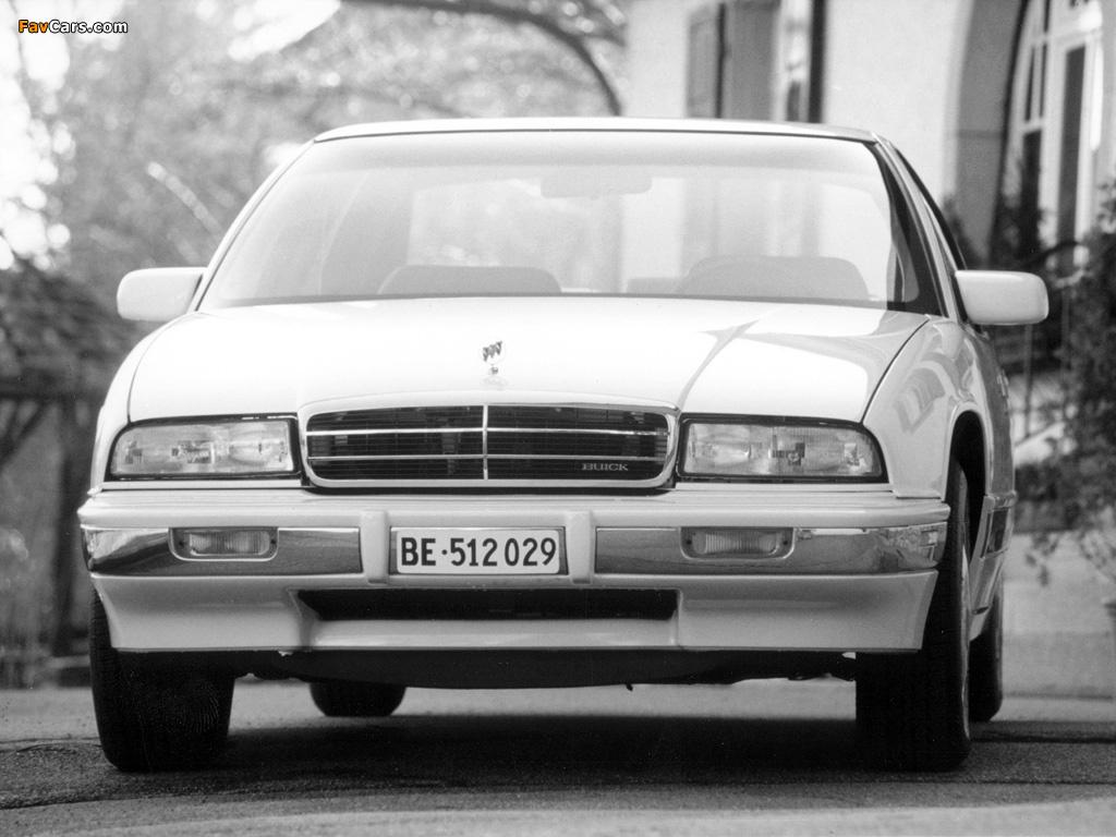 Pictures of Buick Regal Sedan 1993–95 (1024 x 768)