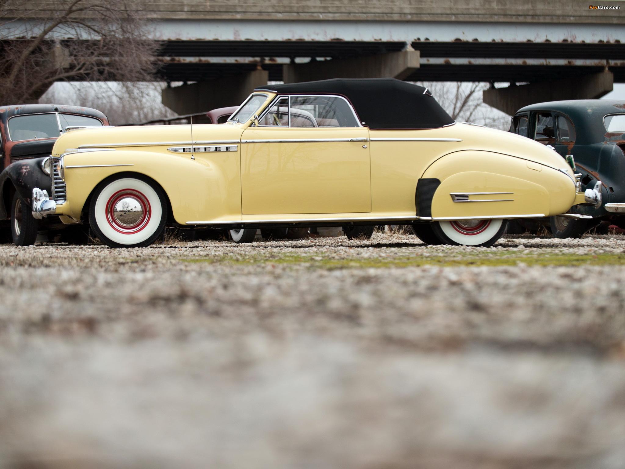 Photos of Buick Roadmaster Convertible 1941 (2048 x 1536)