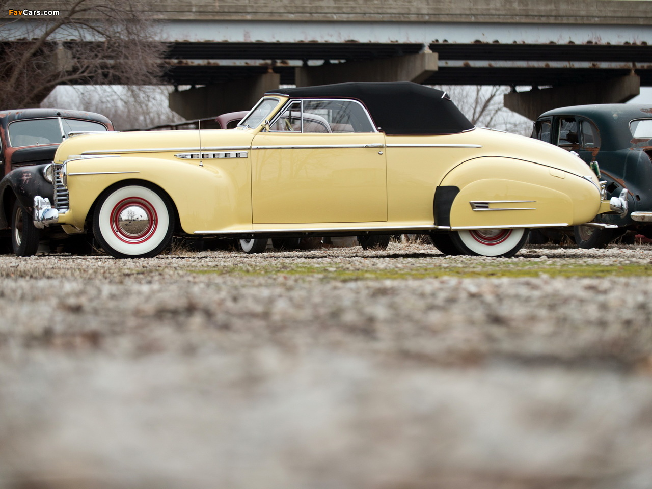 Photos of Buick Roadmaster Convertible 1941 (1280 x 960)