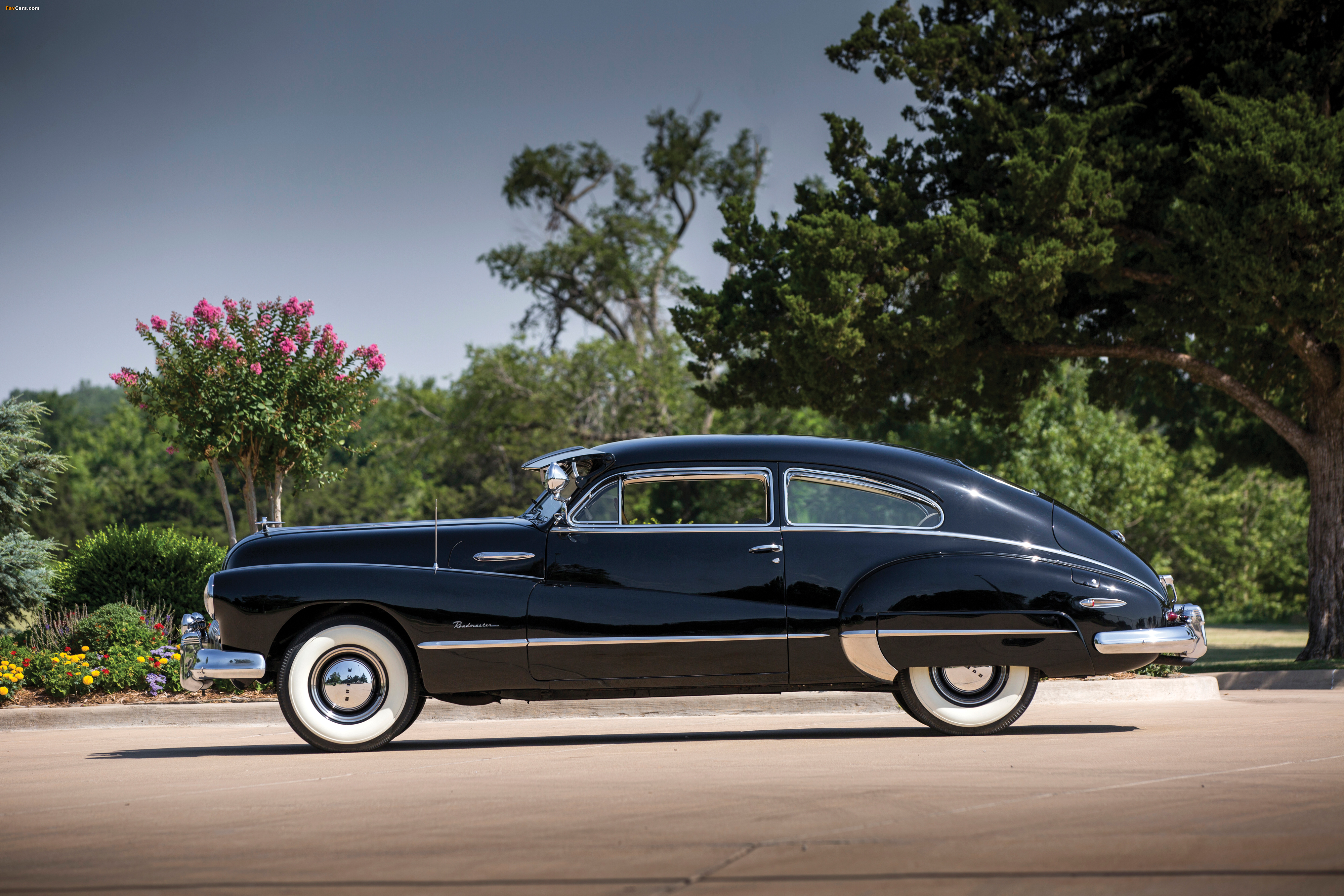 Pictures of Buick Roadmaster Sedanet (76S-4707) 1946 (4000 x 2667)