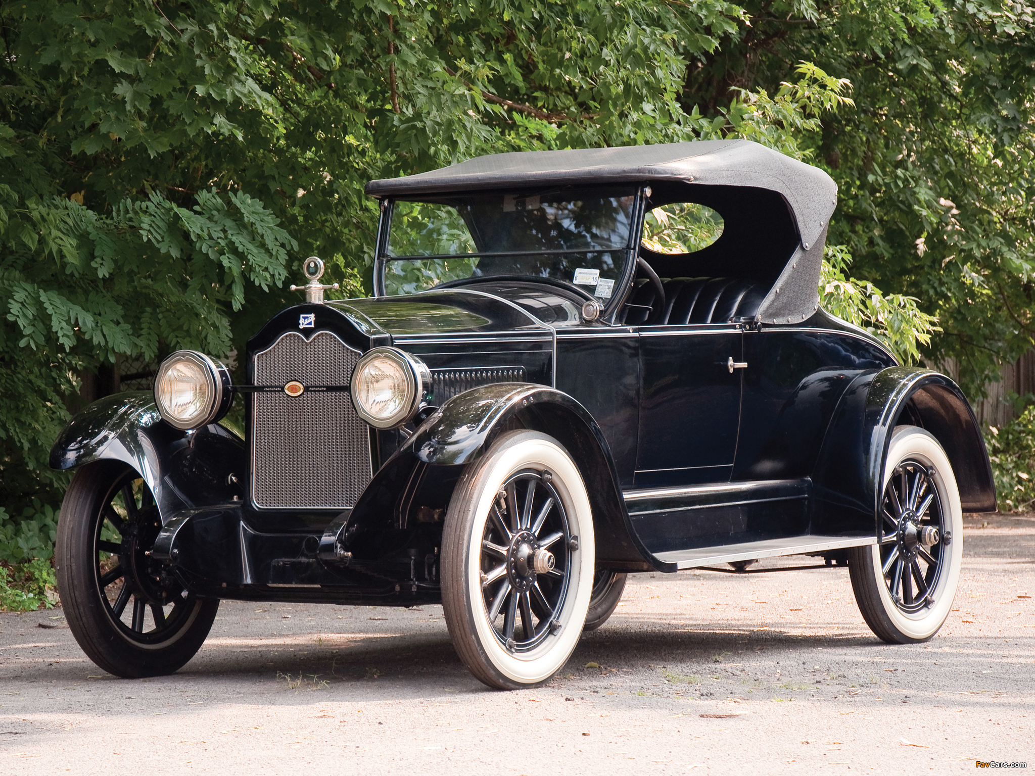 Photos of Buick Model 24-34 Roadster 1924 (2048 x 1536)
