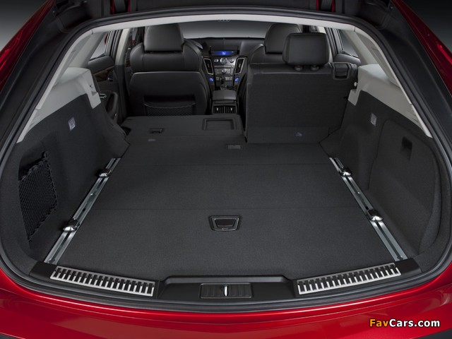 Cadillac CTS-V Sport Wagon 2010 pictures (640 x 480)