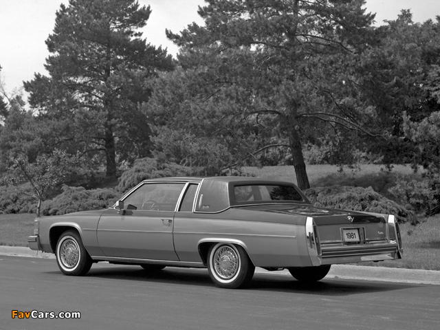 Cadillac Coupe de Ville 1980–84 photos (640 x 480)