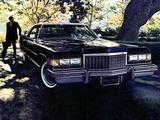 Photos of Cadillac Sedan de Ville (D49) 1976
