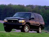 Cadillac Escalade 1999–2000 images