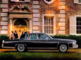 Cadillac Fleetwood Brougham 1980–86 images