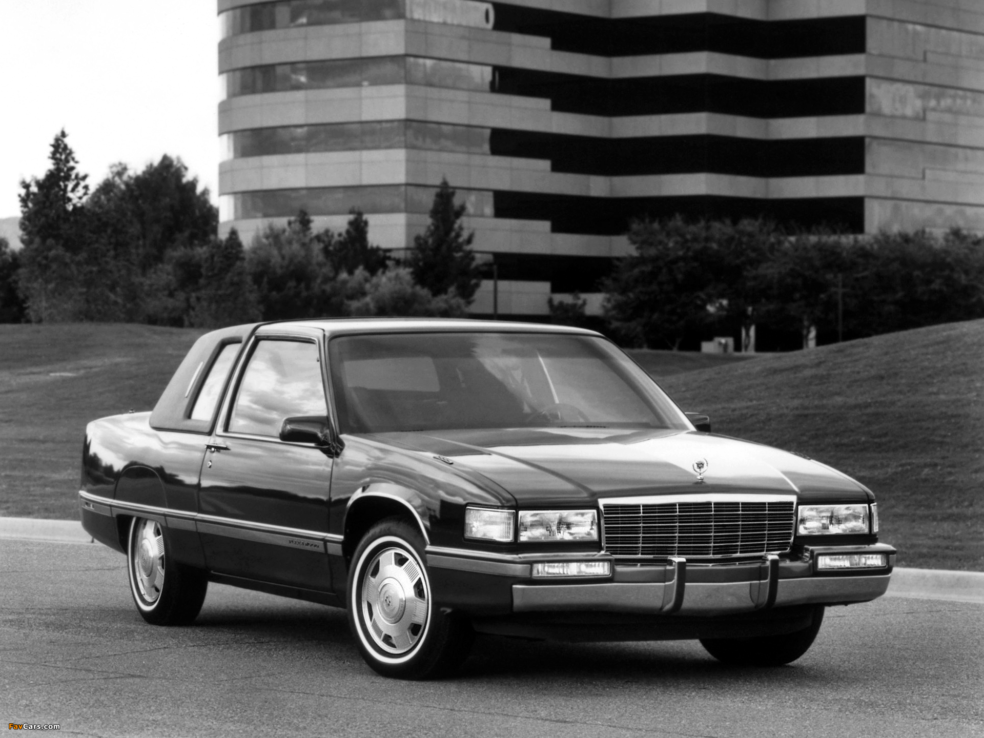 Pictures of Cadillac Fleetwood Coupe 1991-92 (1920x1440)
