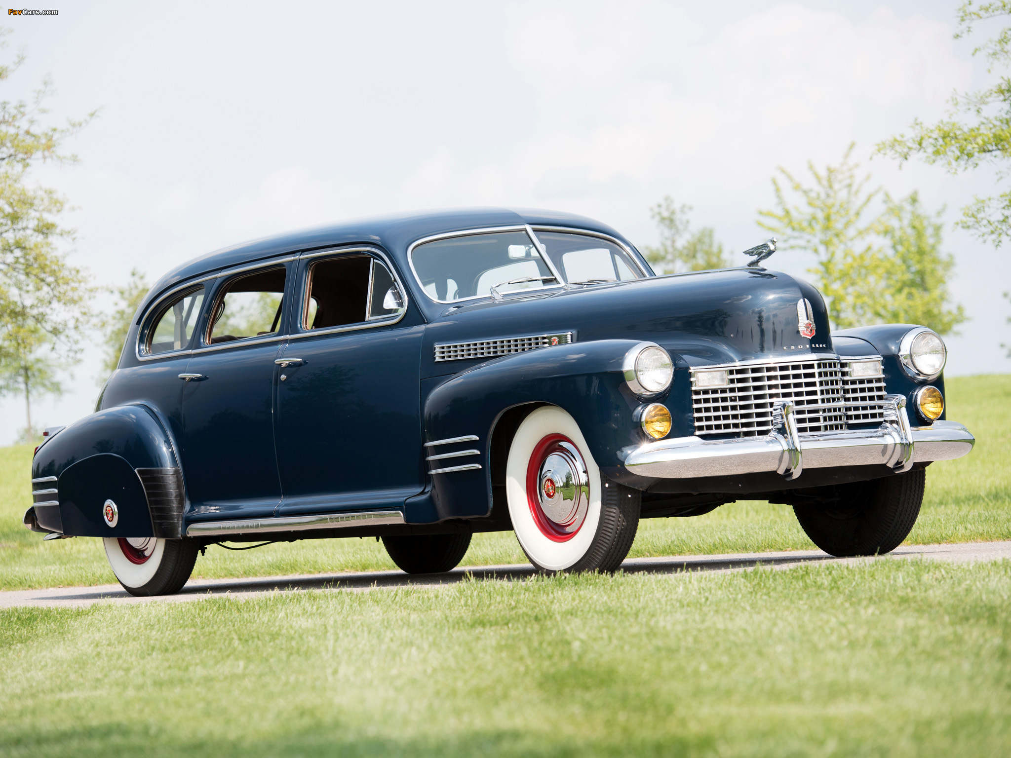 Pictures of Cadillac Series 67 Touring Sedan by Fisher (41-6723) 1941 (2048 x 1536)