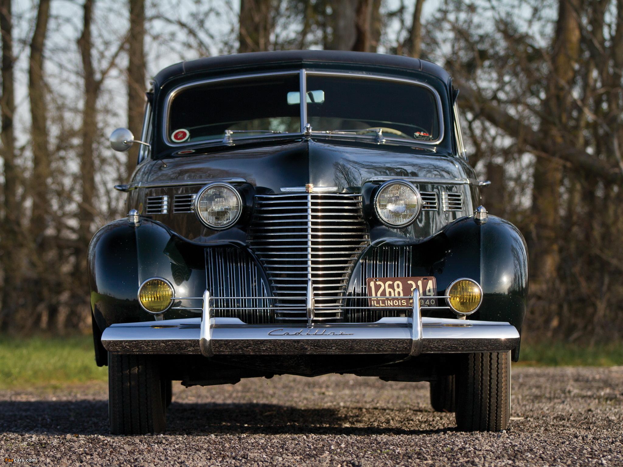 Cadillac Series 72 Formal Sedan by Fleetwood (7233-F) 1940 photos (2048 x 1536)