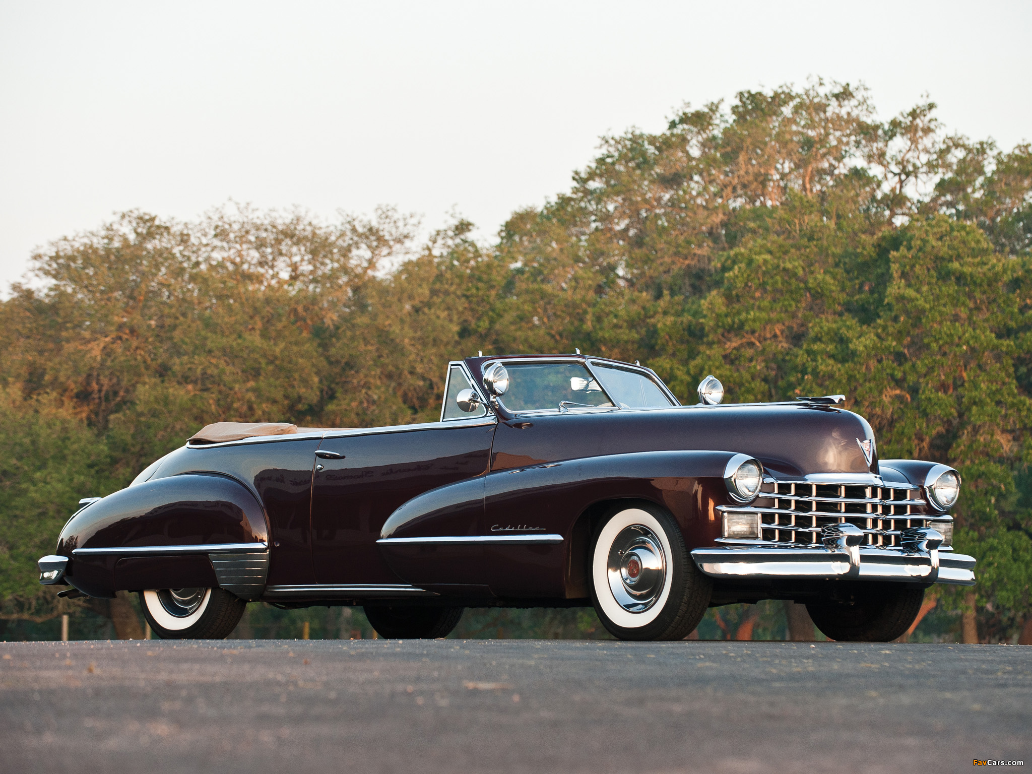 Photos of Cadillac Sixty-Two Convertible 1947 (2048 x 1536)