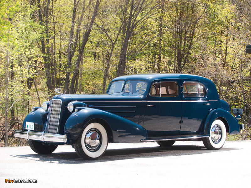 Cadillac V16 Town Sedan by Fleetwood (5733S) 1936 pictures (800 x 600)