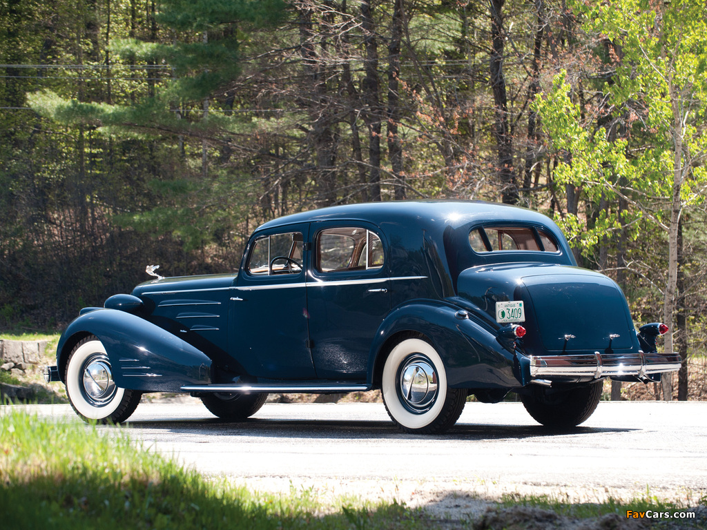 Cadillac V16 Town Sedan by Fleetwood (5733S) 1936 pictures (1024 x 768)