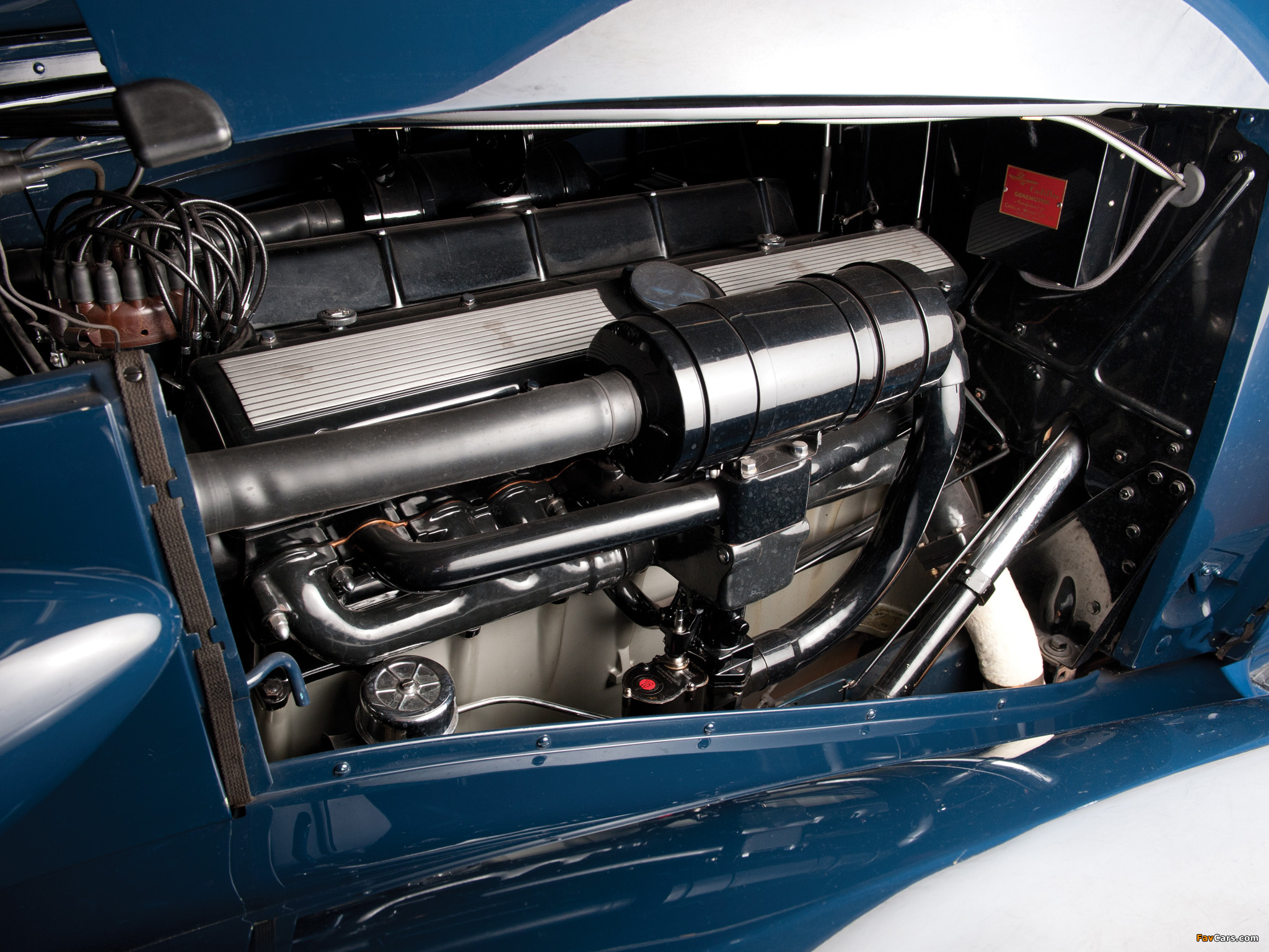 Cadillac V16 Town Sedan by Fleetwood (5733S) 1936 wallpapers (2048 x 1536)