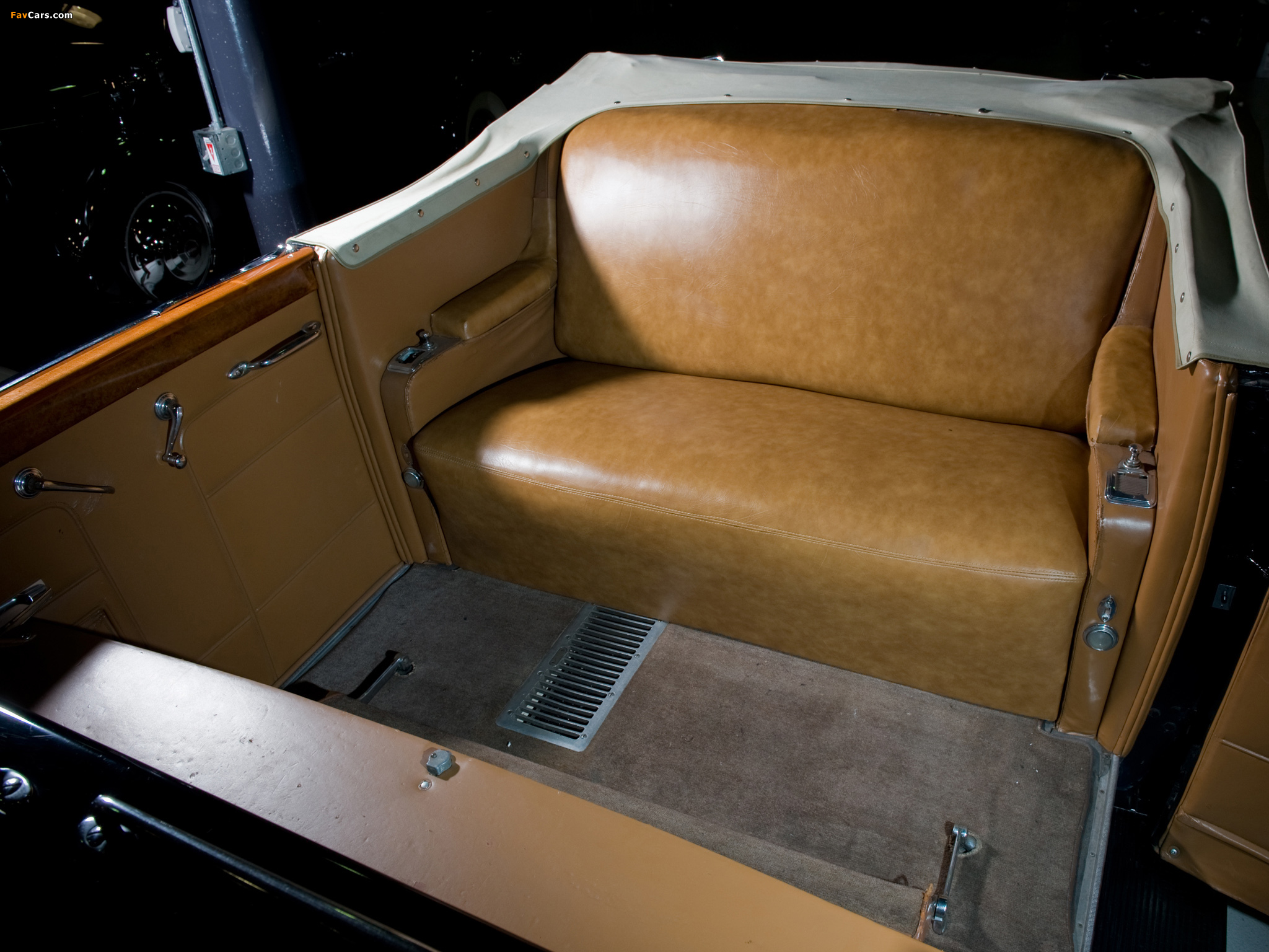 Cadillac V16 Series 90 Presidential Convertible Limousine 1938 pictures (2048 x 1536)