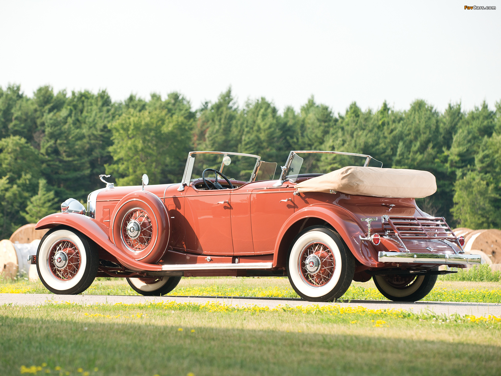 Images of Cadillac V16 Series 452 Special Dual Cowl Phaeton by Fleetwood (4260) 1931 (1600 x 1200)