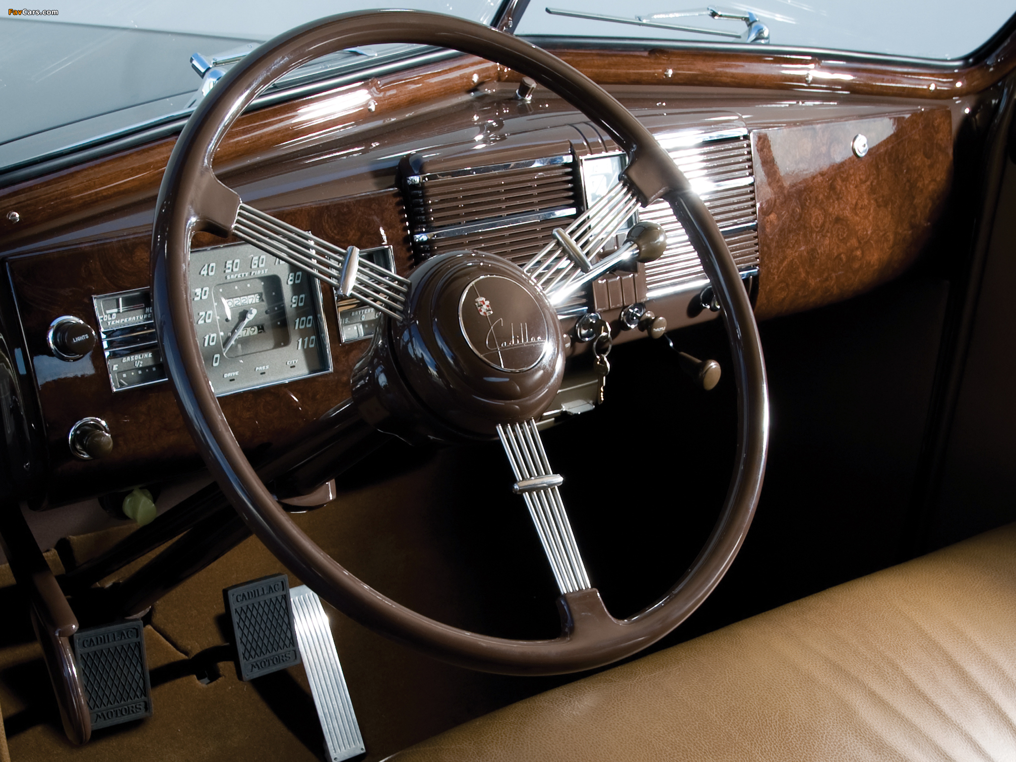 Images of Cadillac V16 Series 90 Convertible Coupe 1938 (2048 x 1536)