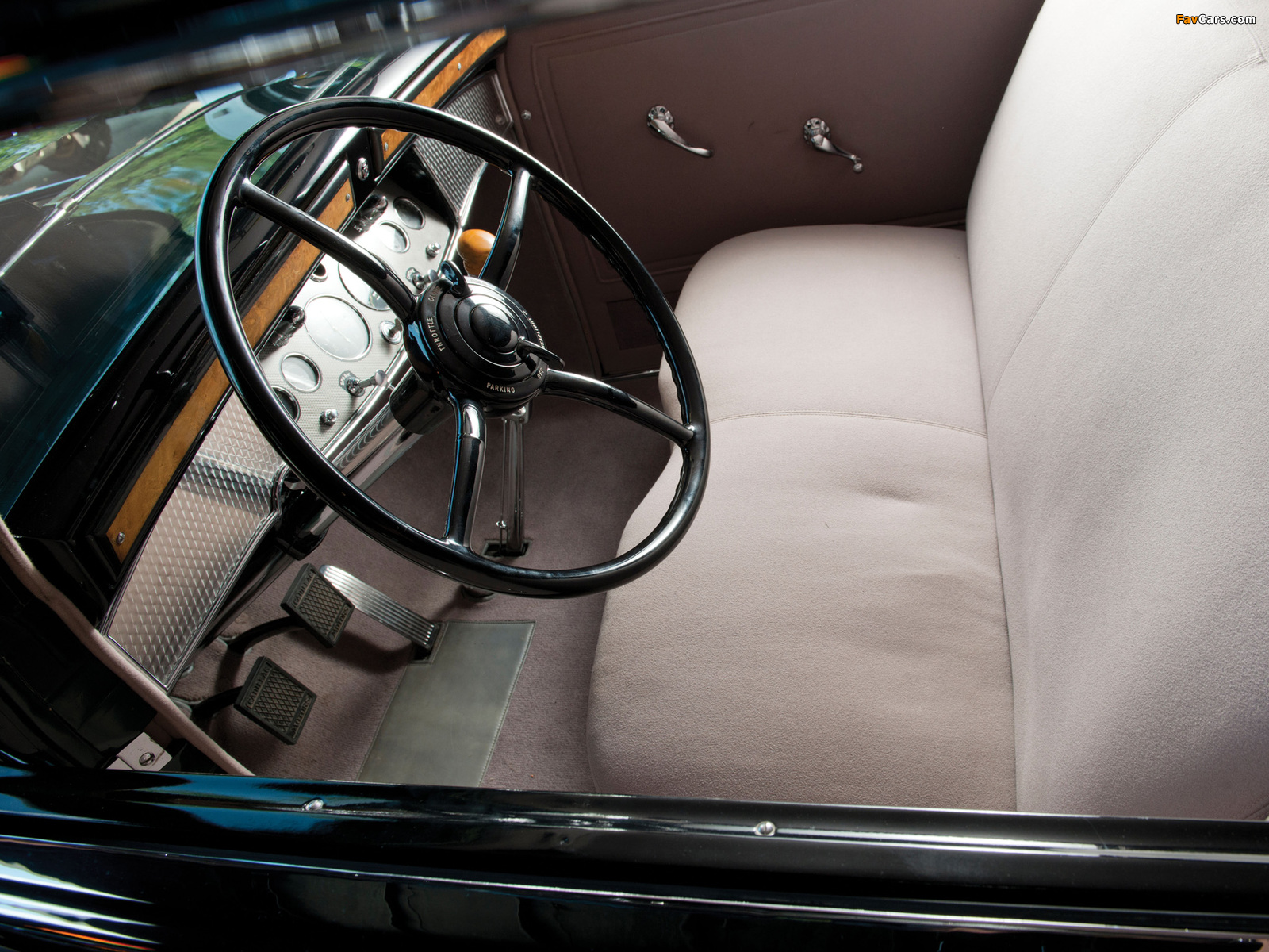 Photos of Cadillac V16 452-A Madame X Sedan Cabriolet by Fleetwood 1930 (1600 x 1200)