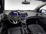 Images of Chevrolet Aveo 5-door 2011
