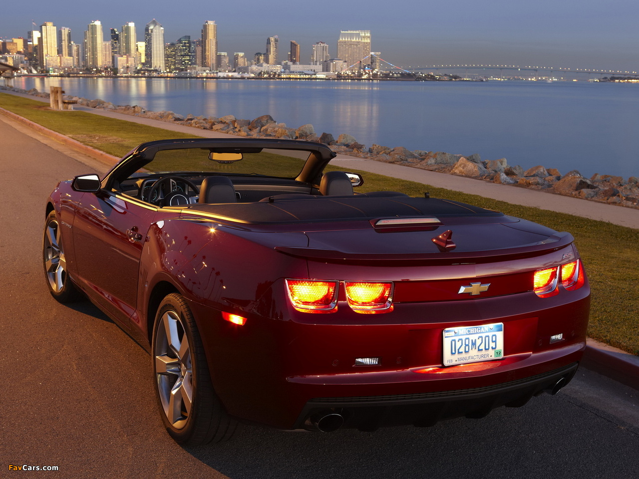 Images of Chevrolet Camaro RS Convertible 2011–13 (1280 x 960)