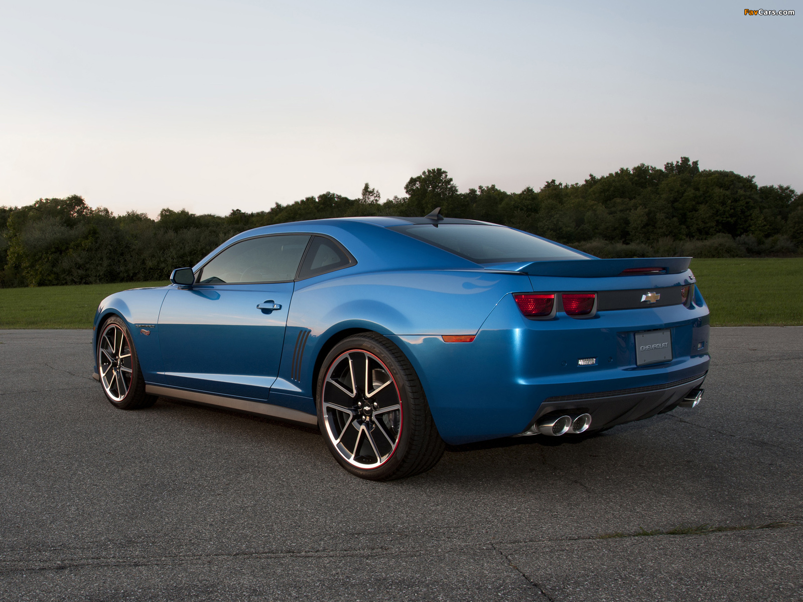 Photos of Chevrolet Camaro Hot Wheels Edition 2012 (1600 x 1200)