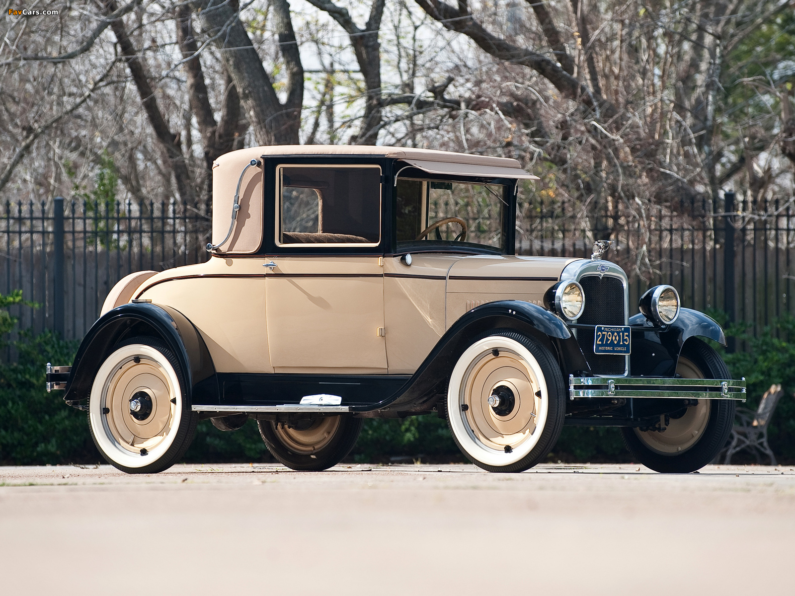 Images of Chevrolet Capitol Sports Cabriolet (AA) 1927 (1600 x 1200)