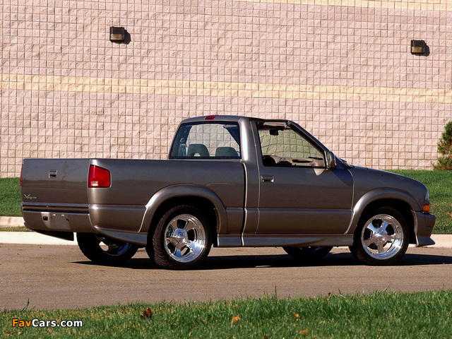 Photos of Chevrolet T-Top S-10 Xtreme Concept 2000 (640 x 480)