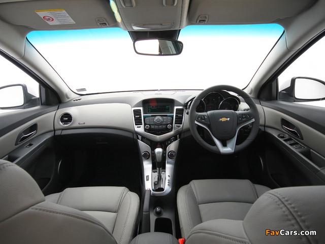 Chevrolet Cruze ZA-spec (J300) 2010–12 wallpapers (640 x 480)