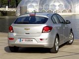 Chevrolet Cruze Hatchback (J300) 2011–12 images