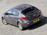 Chevrolet Cruze Hatchback UK-spec (J300) 2011–12 pictures