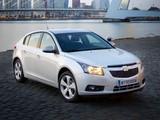 Chevrolet Cruze Hatchback (J300) 2011–12 pictures