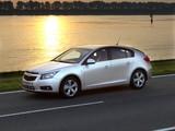Images of Chevrolet Cruze Hatchback (J300) 2011–12
