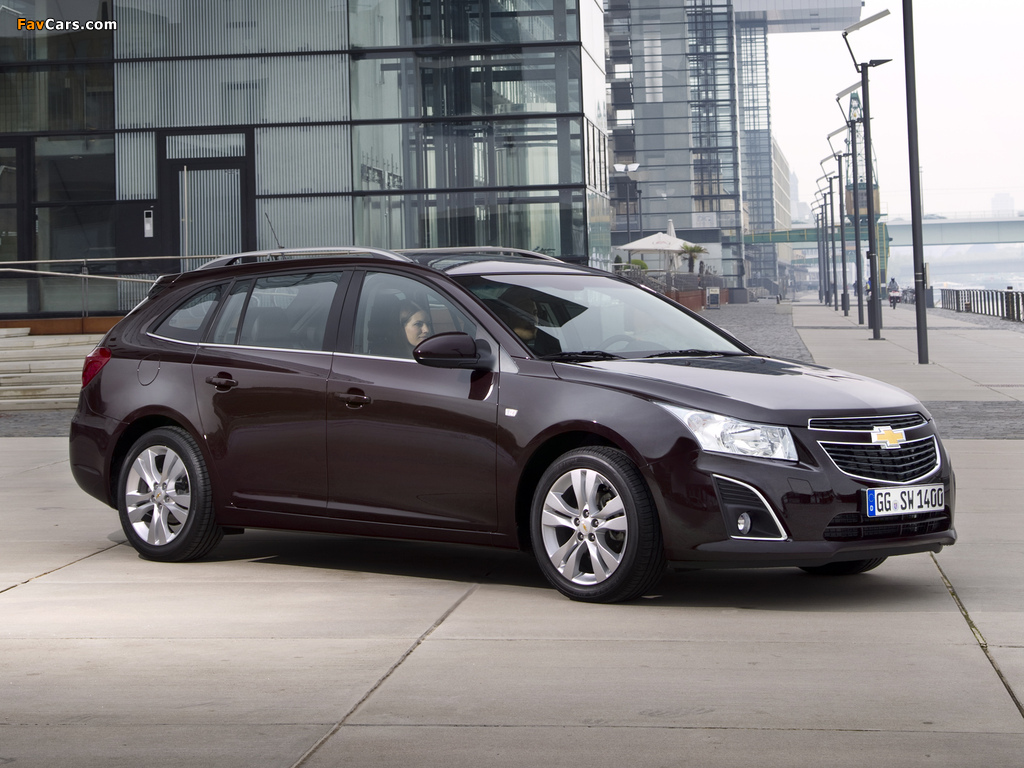 Images of Chevrolet Cruze Station Wagon (J300) 2012 (1024 x 768)